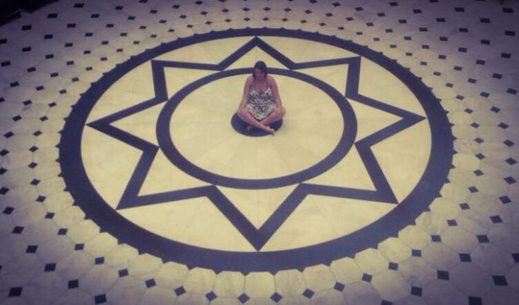 Não estava nem no centro de mim nem no centro da mandala. ha.